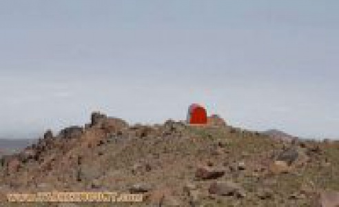 گزارش تصویری از ترمیم رنگ لایه بیرونی جانپناه کسری توسط کوهنوردان تبریز