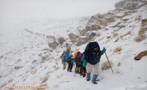 گزارش شانزدهمین صعود بین المللی فدراسیون کوه نوردی به قله شیرکوه یزد / تصاویر