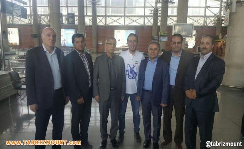 استقبال مسئولین استانی از عظیم قیچی ساز در فرودگاه امام خمینی (ره) تهران