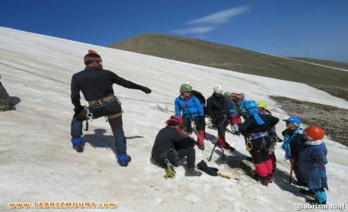 اولین اردوی آمادگی و انتخابی بانوان استان آذربایجان شرقی جهت صعود به قله ۵۰۴۷ متری کازبک(گرجستان)
