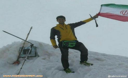 صعود مستقل و مشترک کوهنوردان شرکت تراکتور سازی و کوهنوردانی از استان آذربایجان شرقی به قله آرارات کشور ترکیه در تیر ماه سال ١٣٩۶