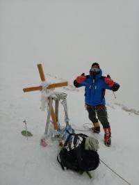 صعود قله خانتانگری توسط آقای ابوالفضل گوزلی